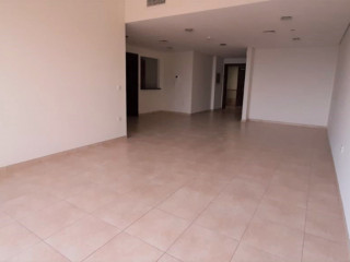 Bright Large Lay-out Well Maintained Golf View